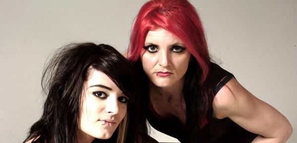 Paige e sua madre Saraya Knight ai tempi della SHIMMER