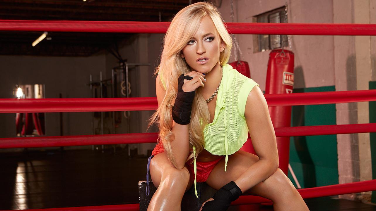 Becky lynch vs emma raw - 5 4
