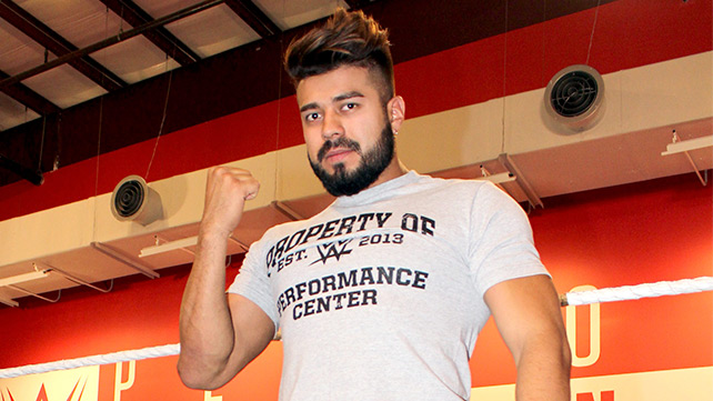 La Sombra: WWE Officially Announces Signing of CMLL Star