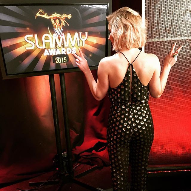 renee-young-hot-pic-host